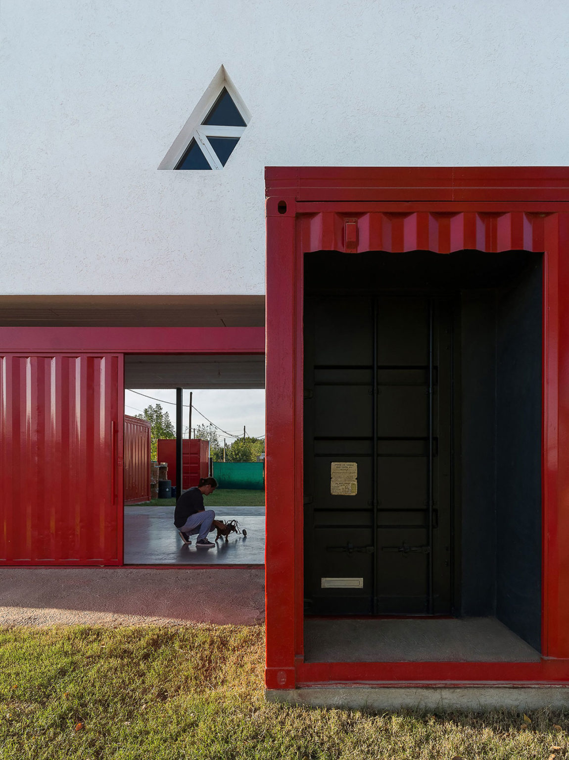 Container House by José Schreiber Arquitecto (4)