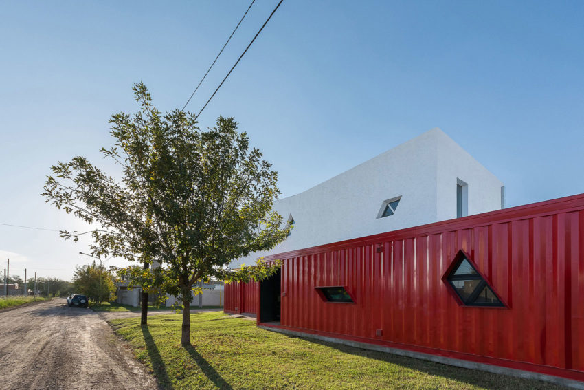 Container House by José Schreiber Arquitecto (5)