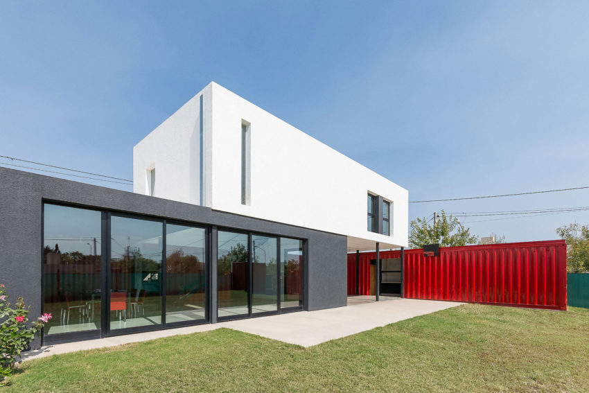Container House by José Schreiber Arquitecto (7)