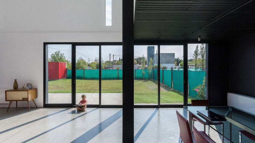 Container House by José Schreiber Arquitecto (9)