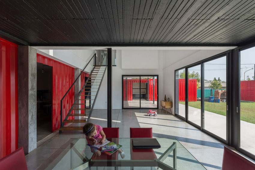 Container House by José Schreiber Arquitecto (12)