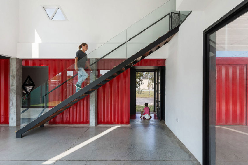 Container House by José Schreiber Arquitecto (14)