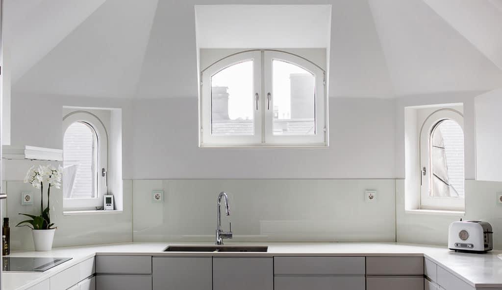 Elegant Apartment in Stockholm (11)