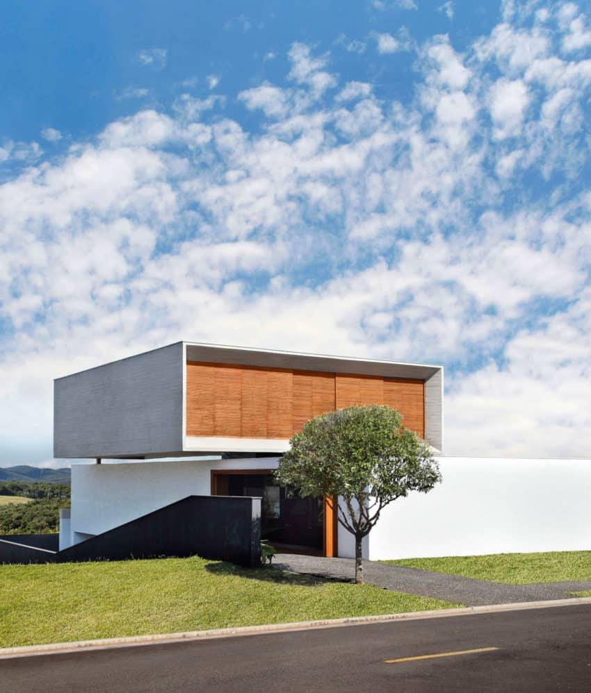 FV House by Studio Guilherme Torres (1)