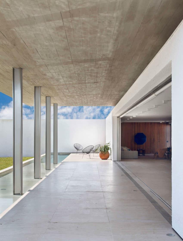 FV House by Studio Guilherme Torres (4)