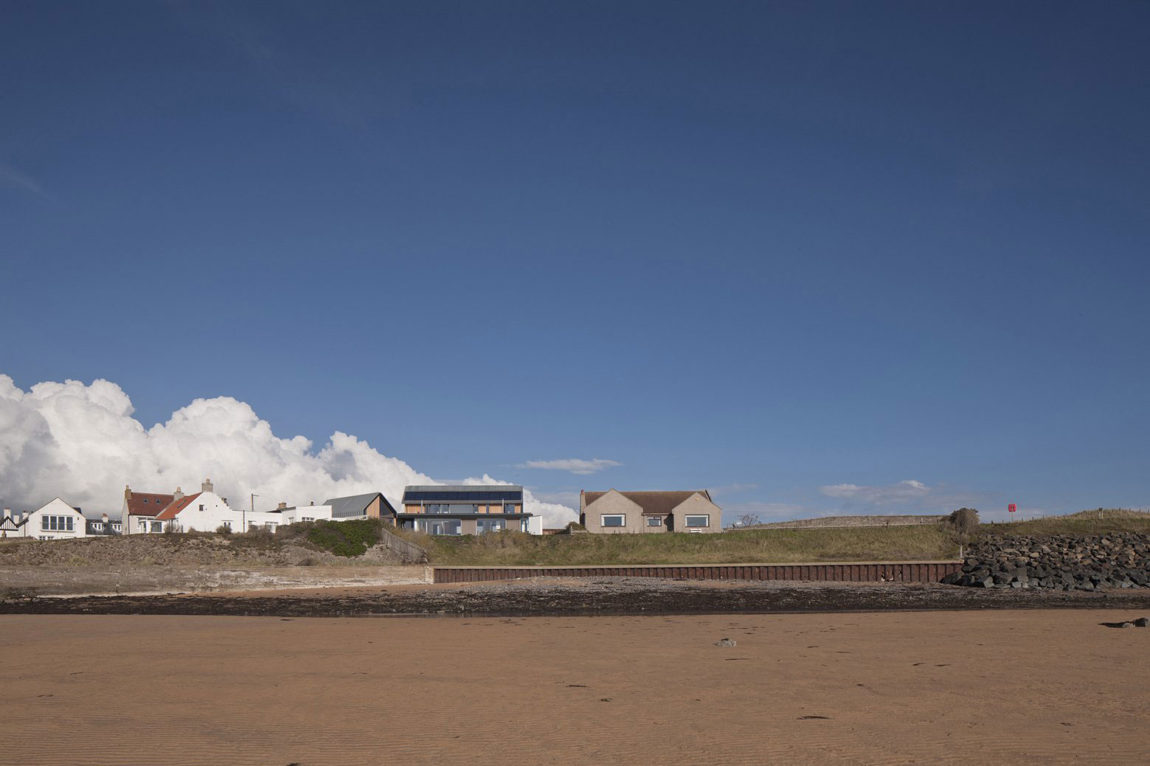 House in Elie by WT Architecture (1)