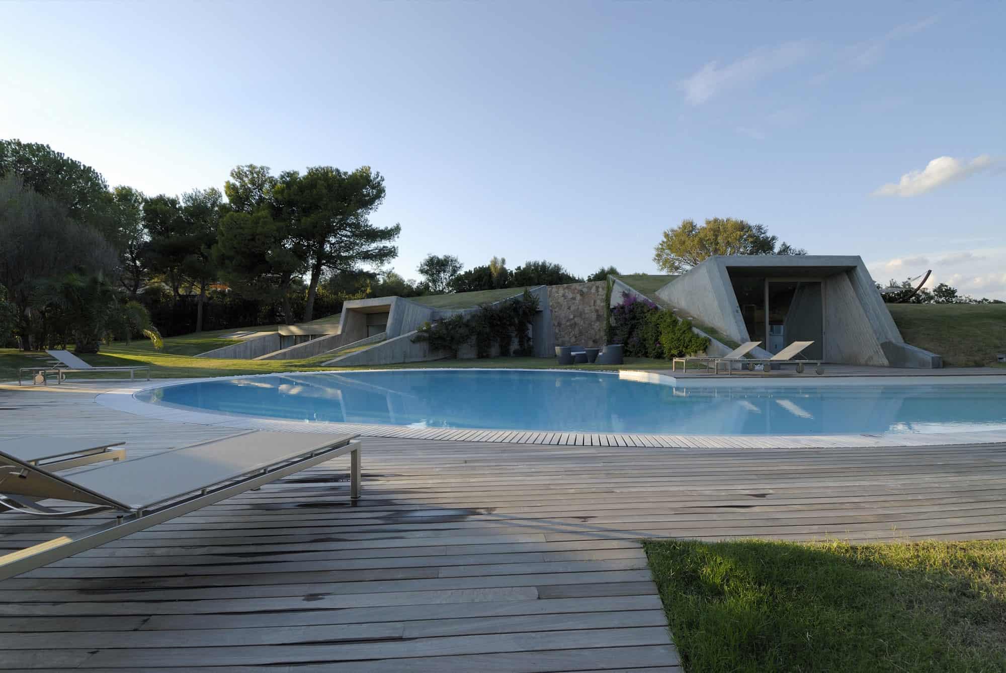 Дом холм на Изумрудном берегу   House in Sardinia 03