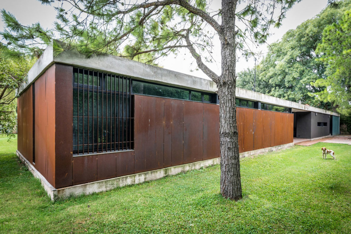 Linear House by Roberto Benito (4)