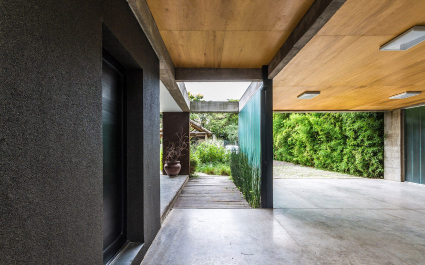 Linear House by Roberto Benito (6)