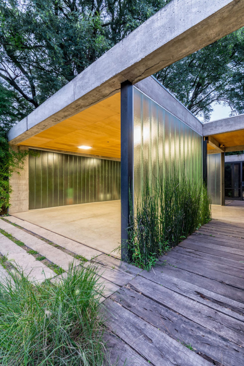 Linear House by Roberto Benito (12)