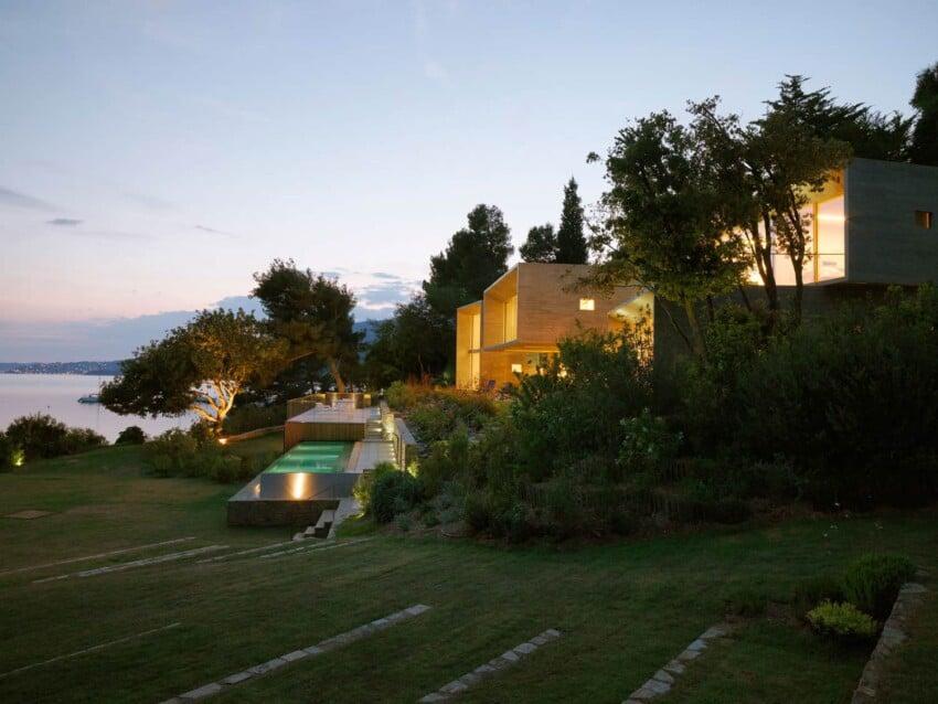 Maison Le Cap by Pascal Grasso Architectures (15)