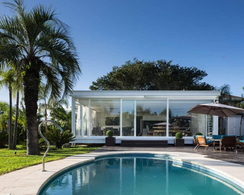 Pool House in Porto Alegre by Kali Arquitetura (2)
