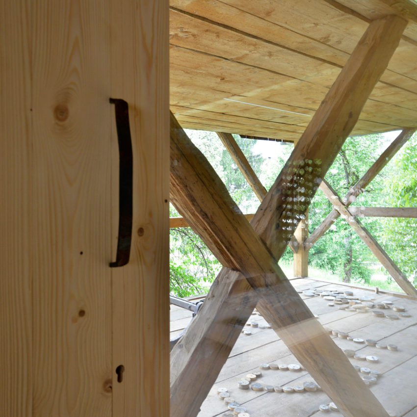 Alpine Barn Apartment by OFIS Arhitekti (6)