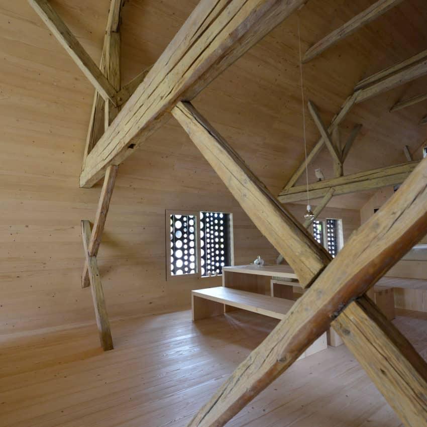Alpine Barn Apartment by OFIS Arhitekti (7)