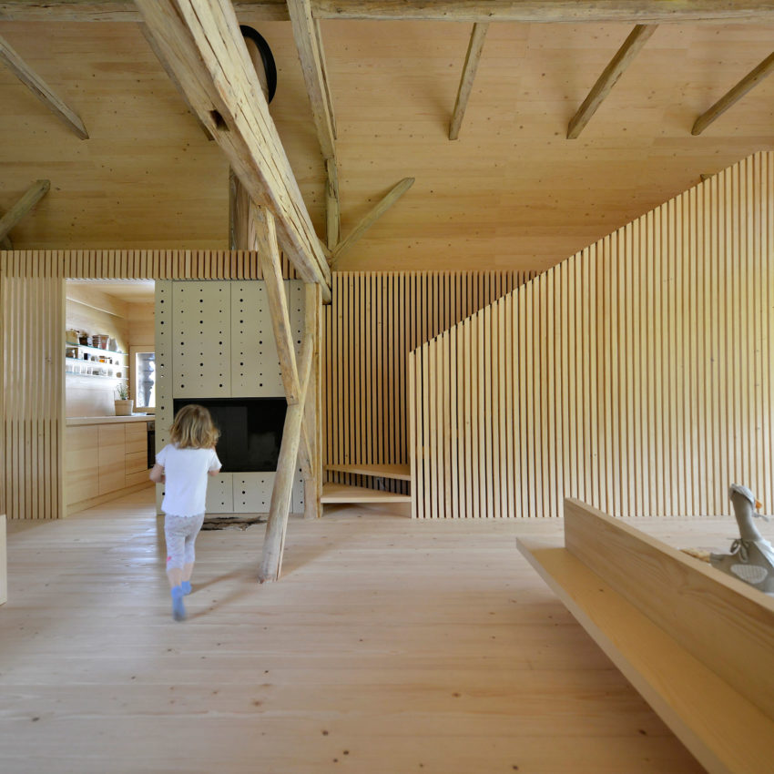 Alpine Barn Apartment by OFIS Arhitekti (10)