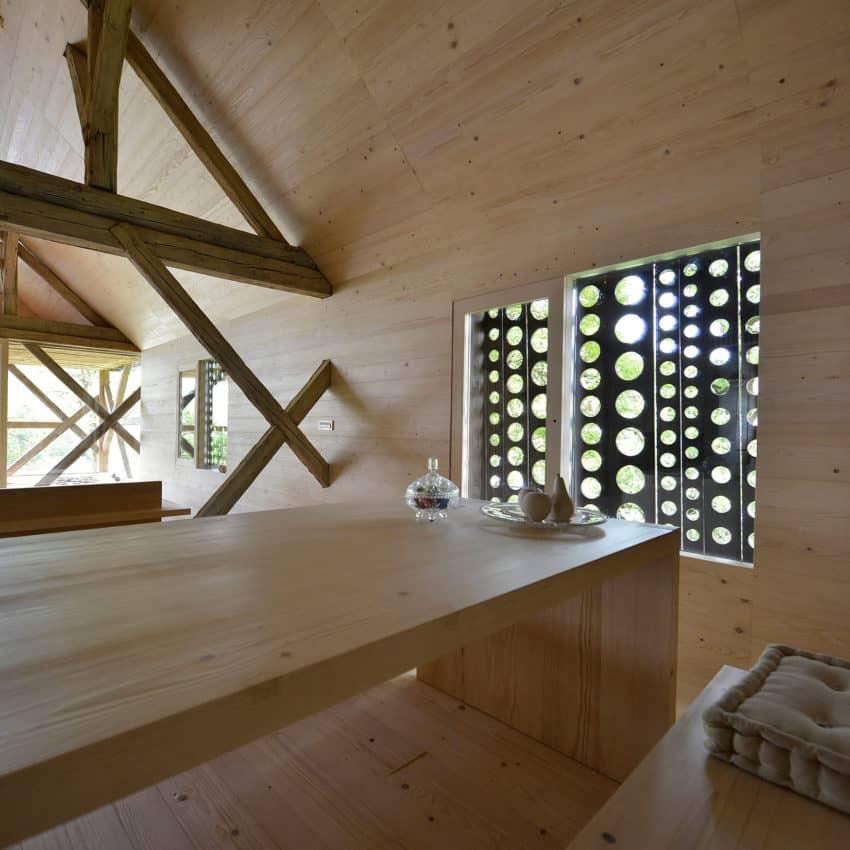 Alpine Barn Apartment by OFIS Arhitekti (13)