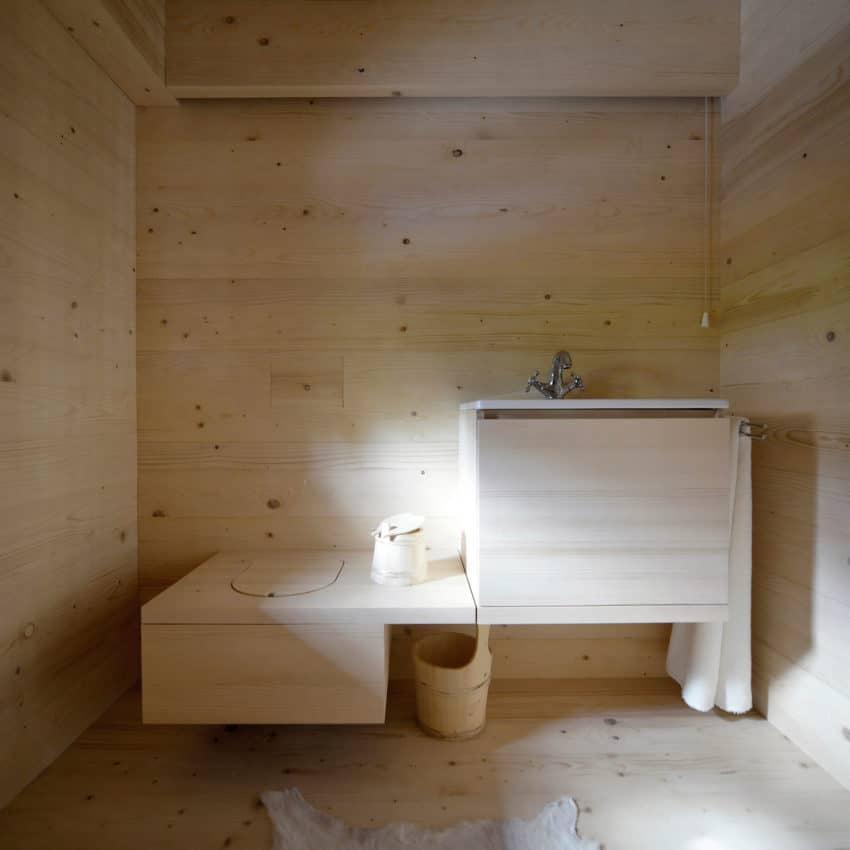 Alpine Barn Apartment by OFIS Arhitekti (21)