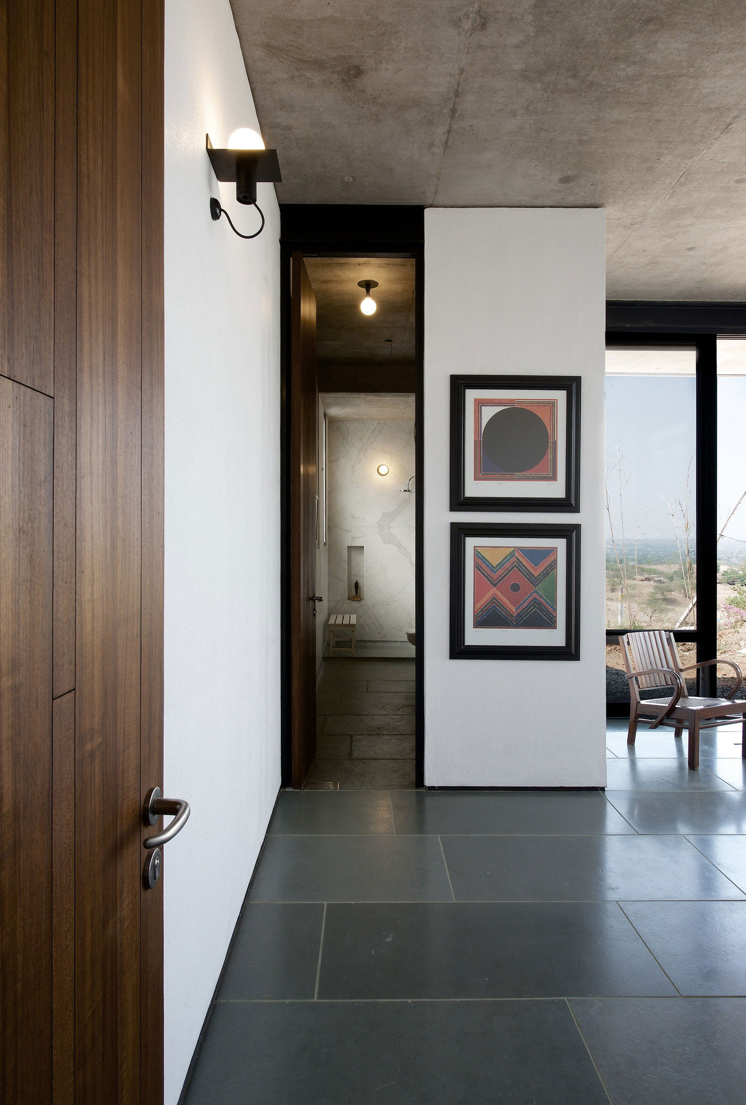 Deolali House by SPASM Design Architects (7)