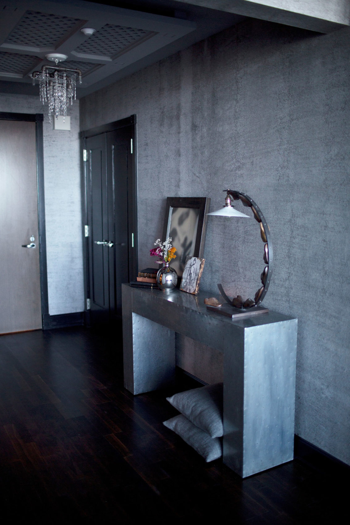 Gothic Glam Loft by BAM Design Lab (1)