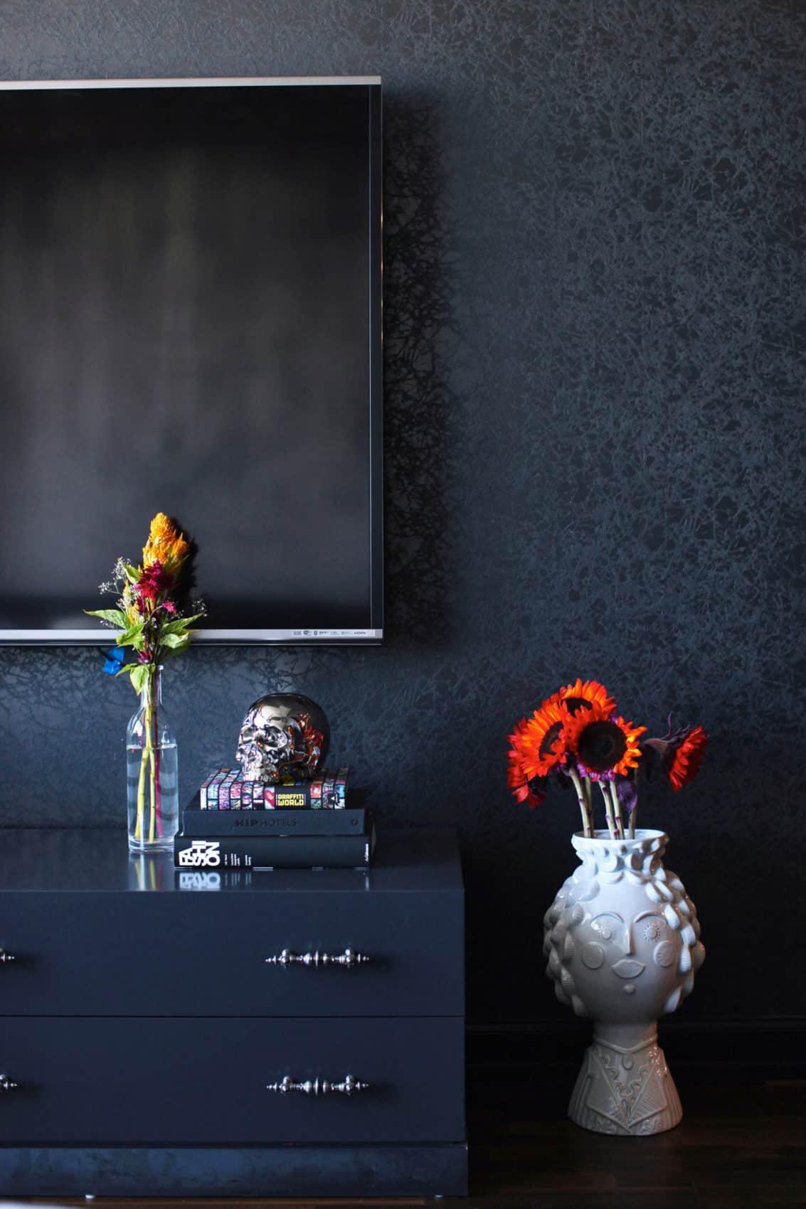Gothic Glam Loft by BAM Design Lab (21)