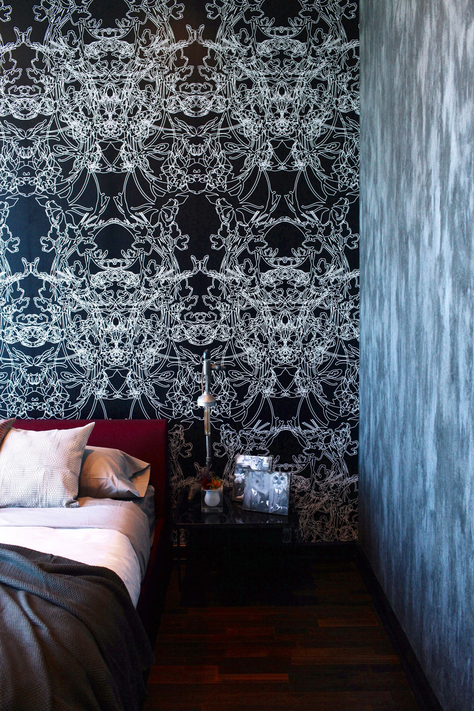 Gothic Glam Loft by BAM Design Lab (29)