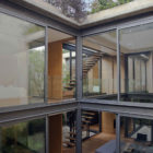 House with Four Courtyards by Andrés Stebelski Arq (3)