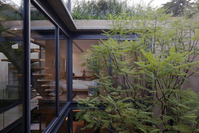 House with Four Courtyards by Andrés Stebelski Arq (5)