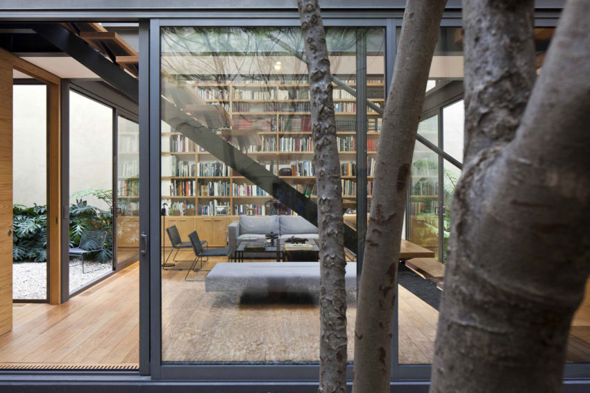House with Four Courtyards by Andrés Stebelski Arq (6)