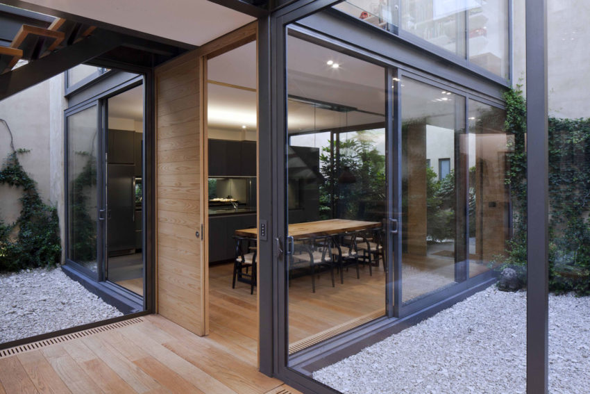 House with Four Courtyards by Andrés Stebelski Arq (8)