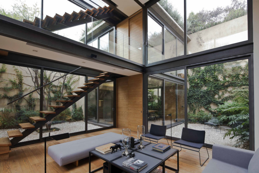 House with Four Courtyards by Andrés Stebelski Arq (10)