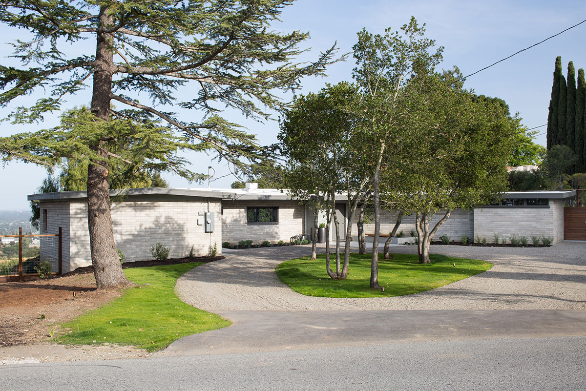 Mid-Century Modern View House Remodel by Klopf Arch (1)