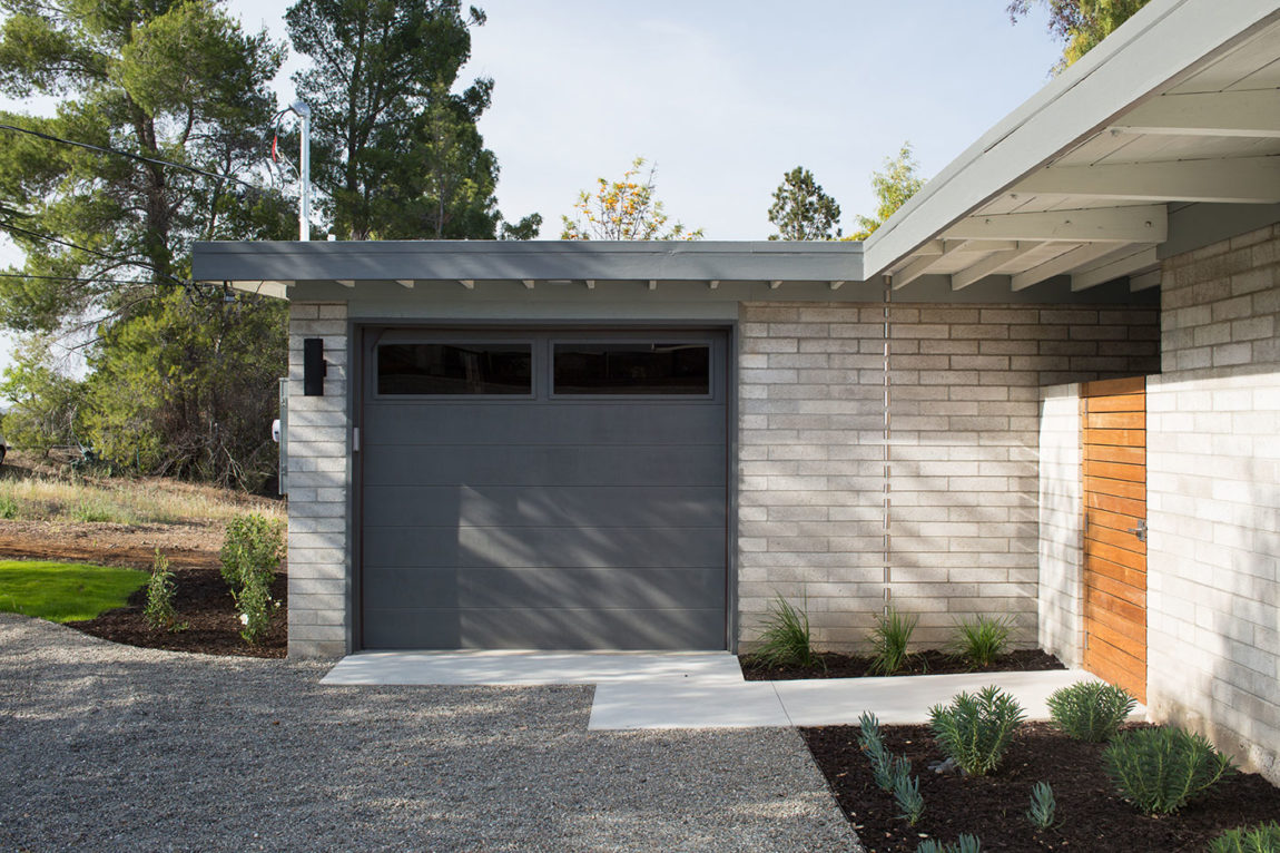 Mid-Century Modern View House Remodel by Klopf Arch (4)