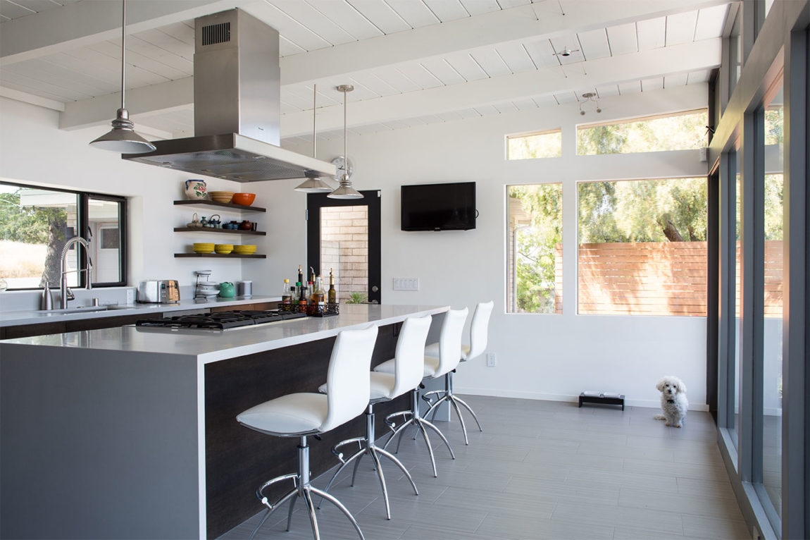 Mid-Century Modern View House Remodel by Klopf Arch (14)