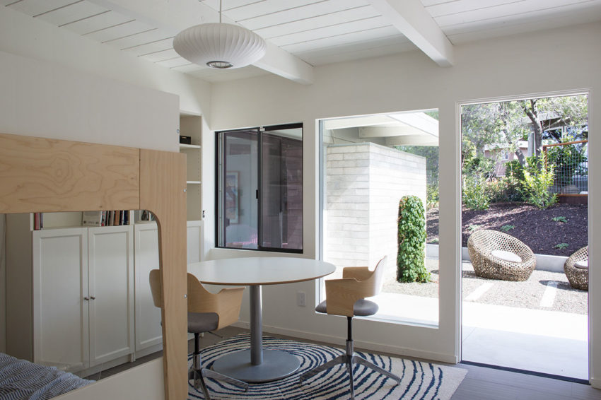 Mid-Century Modern View House Remodel by Klopf Arch (17)