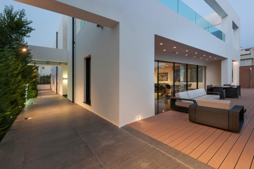 Residence in Glyfada by Dolihos Architects (16)