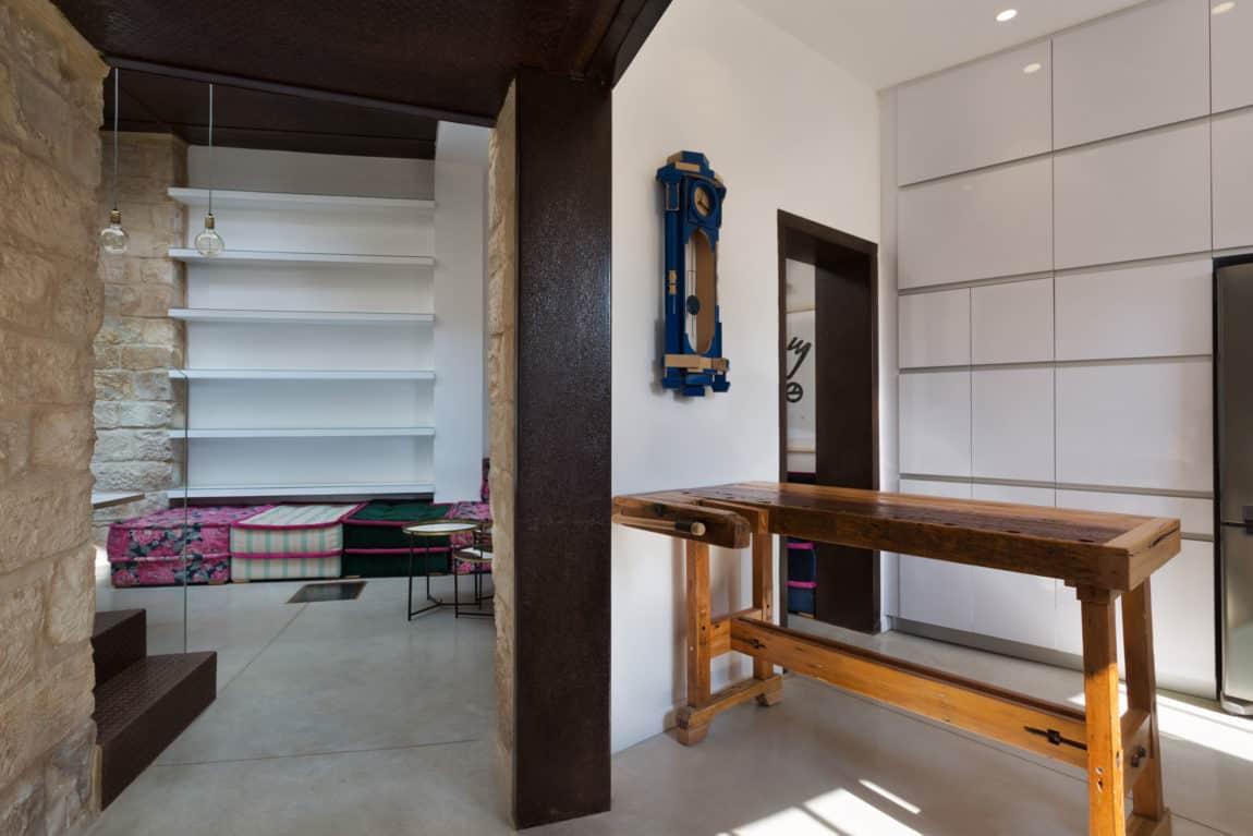 Stone House Conversion by Henkin Shavit Architecture (7)