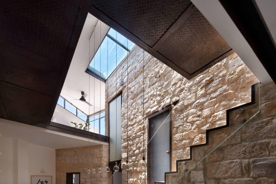 Stone House Conversion by Henkin Shavit Architecture (8)