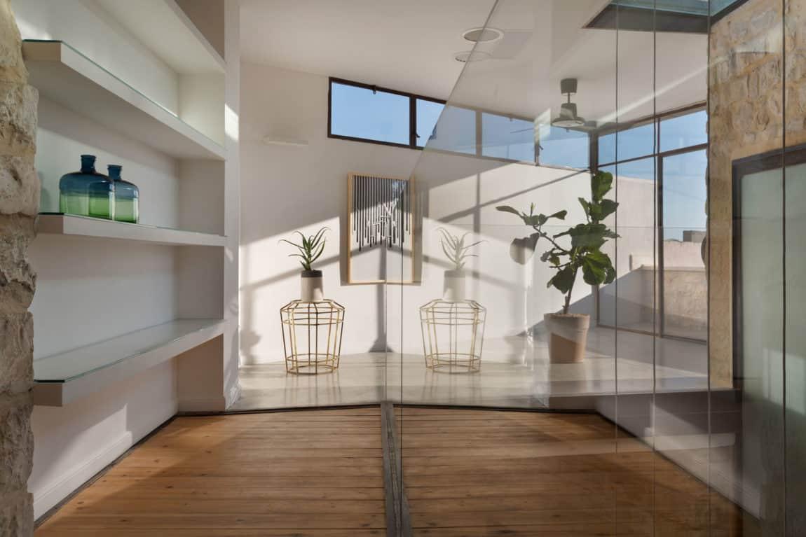 Stone House Conversion by Henkin Shavit Architecture (15)