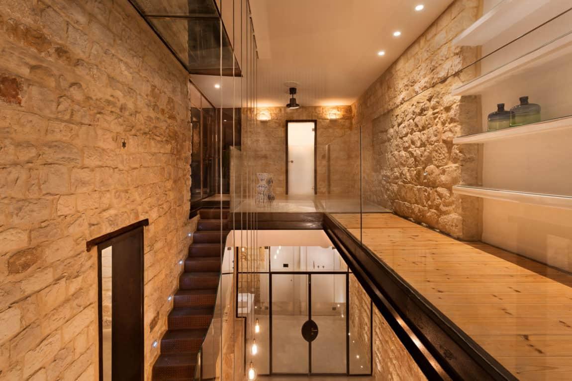 Stone House Conversion by Henkin Shavit Architecture (21)