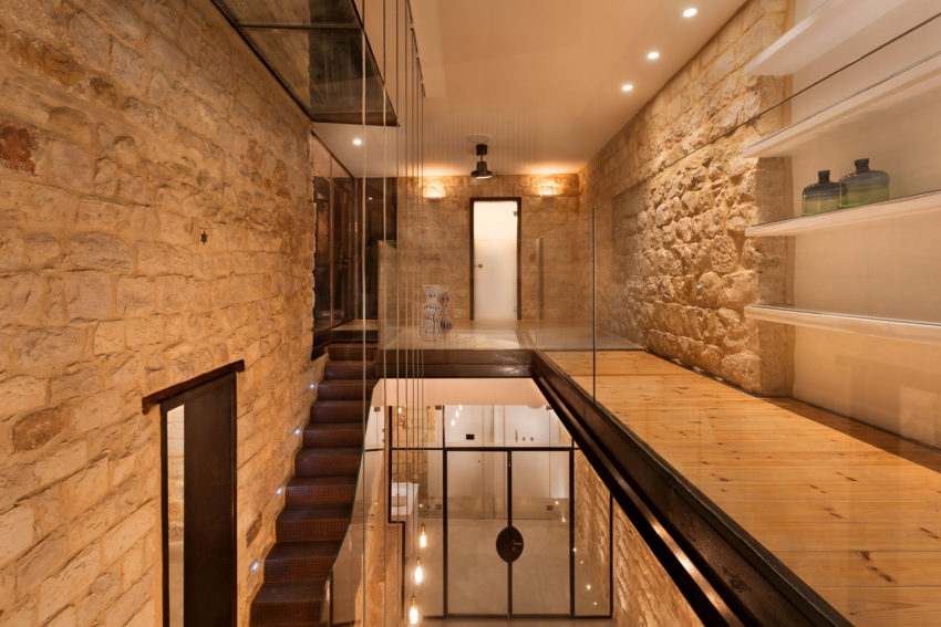 Stone House Conversion by Henkin Shavit Architecture (21)