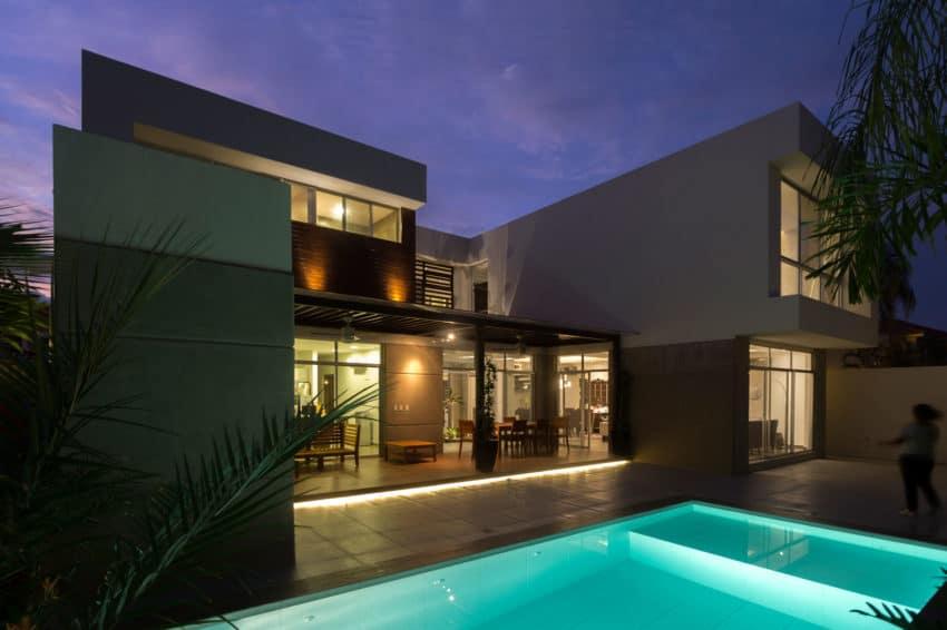 SUVI House by Maria Lorena Apolo & Architects (12)