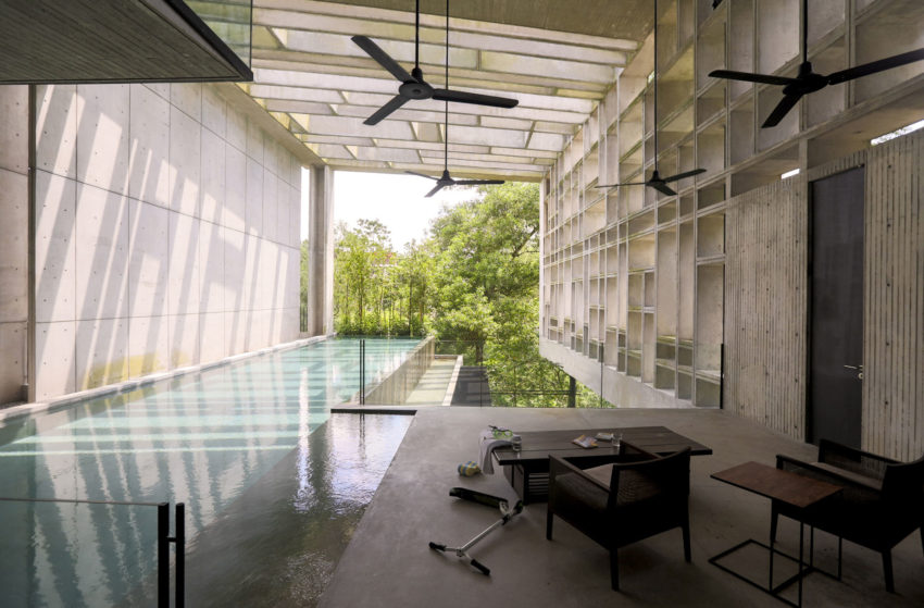 Tropical Box House by WHBC Architects (8)