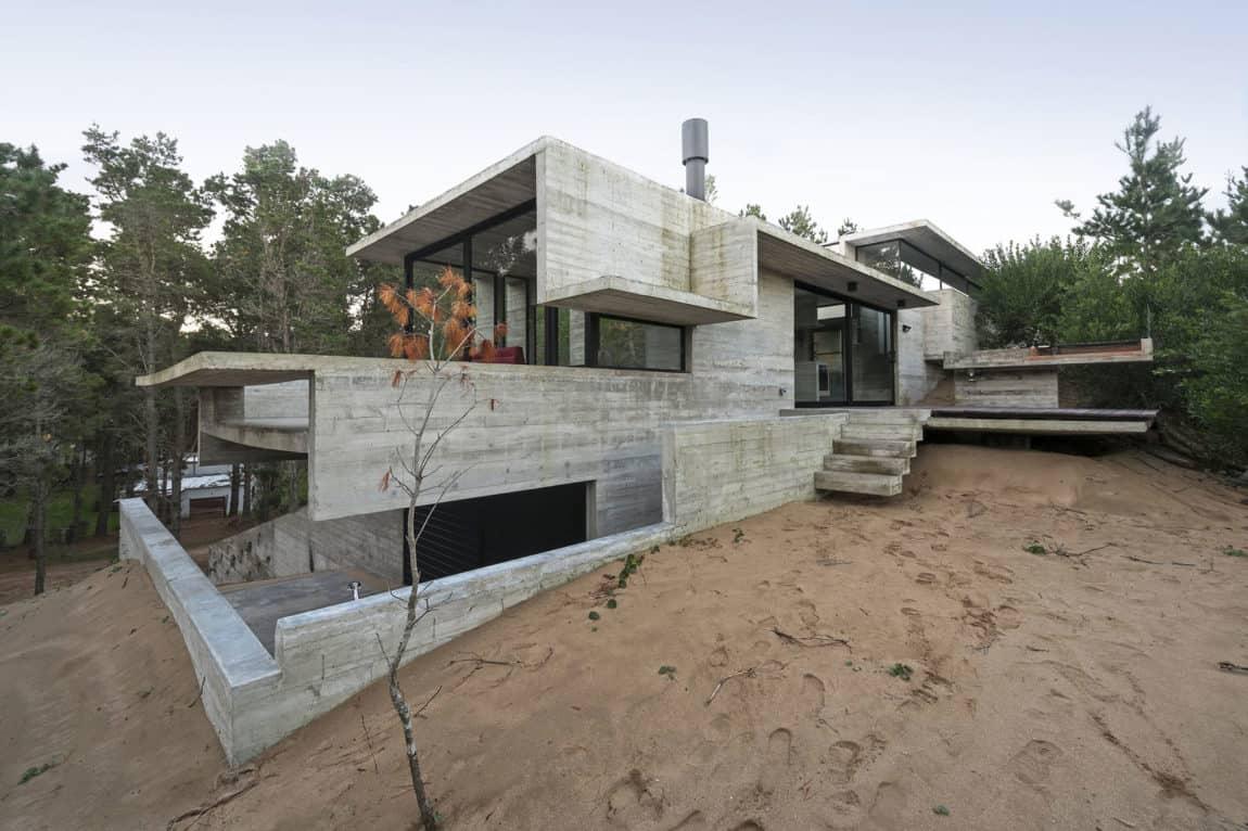 Wein House by Besonias Almeida Arquitectos (4)