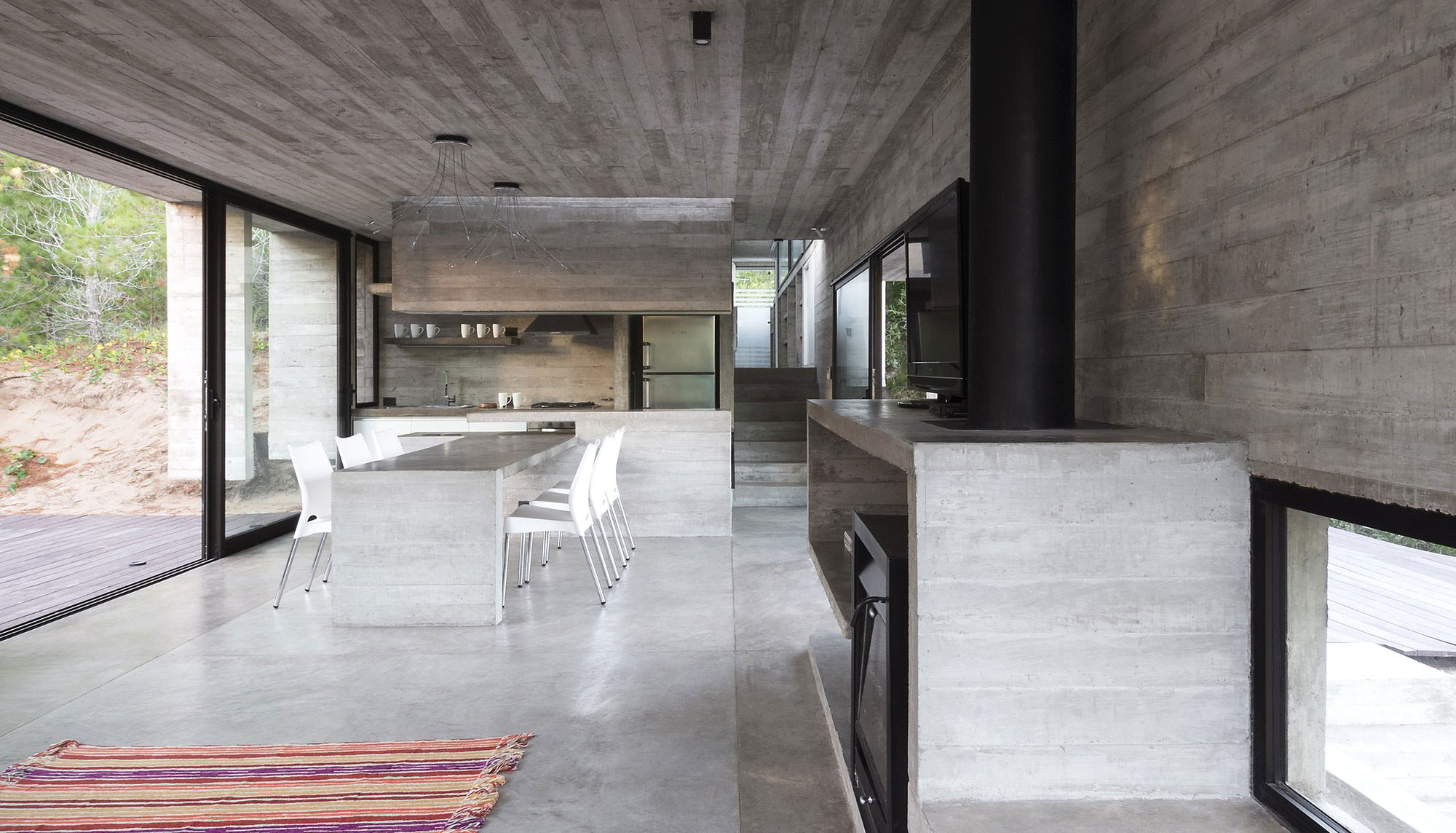 Wein House by Besonias Almeida Arquitectos