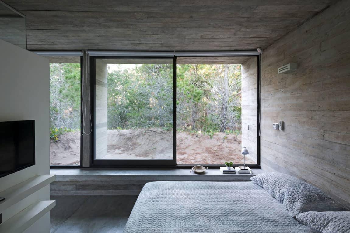 Wein House by Besonias Almeida Arquitectos (9)