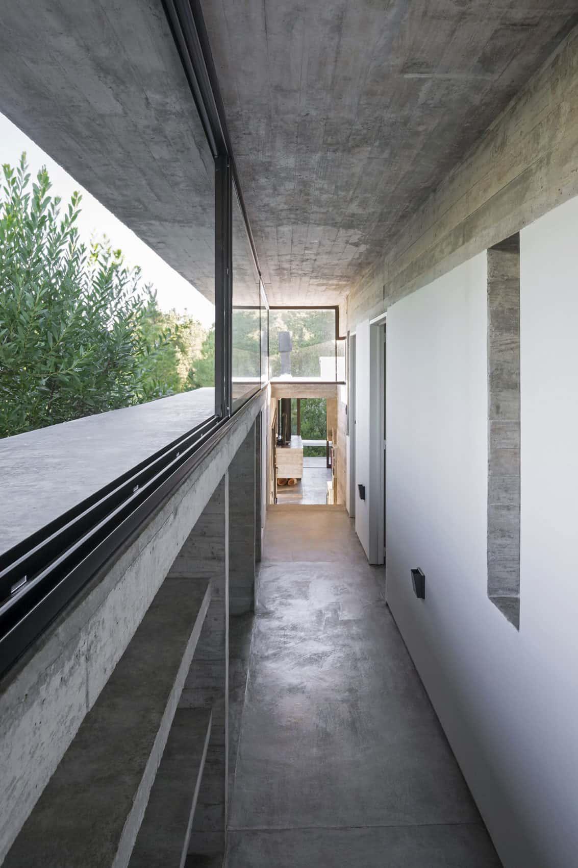 Wein House by Besonias Almeida Arquitectos (10)