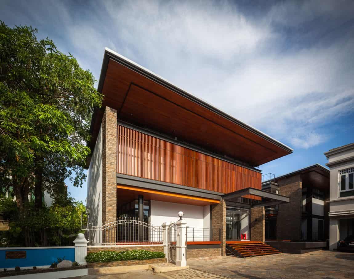 Bridge House by Junsekino Architect And Design (1)