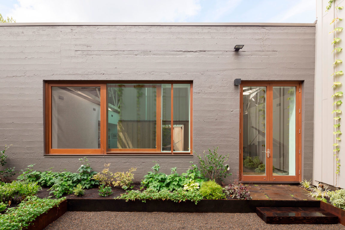 Bowstring Truss House by Works Partnership Architecture (2)