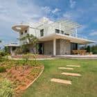 Clover Villa by Mistry Architects (4)