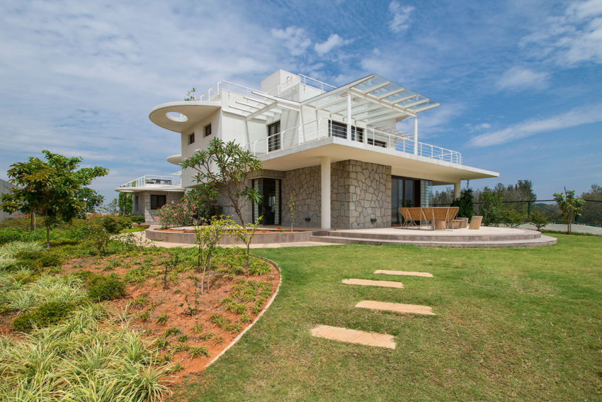 Clover Villa by Mistry Architects (4)